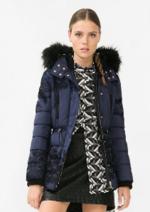 Promos et remises Desigual : Le manteau bleu à fleurs noires à 125,96€
